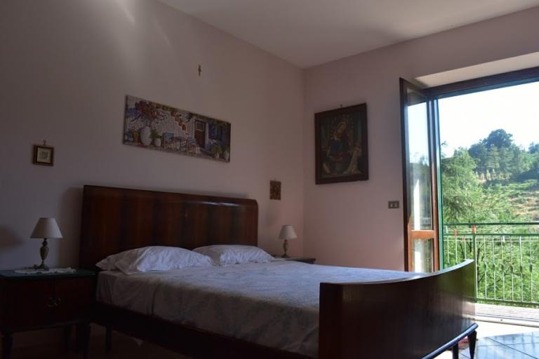 zia lina bedroom2